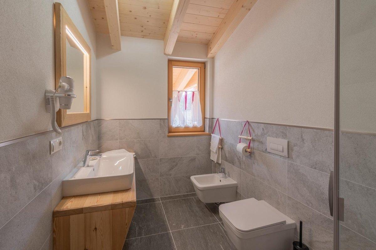bagno camera malva