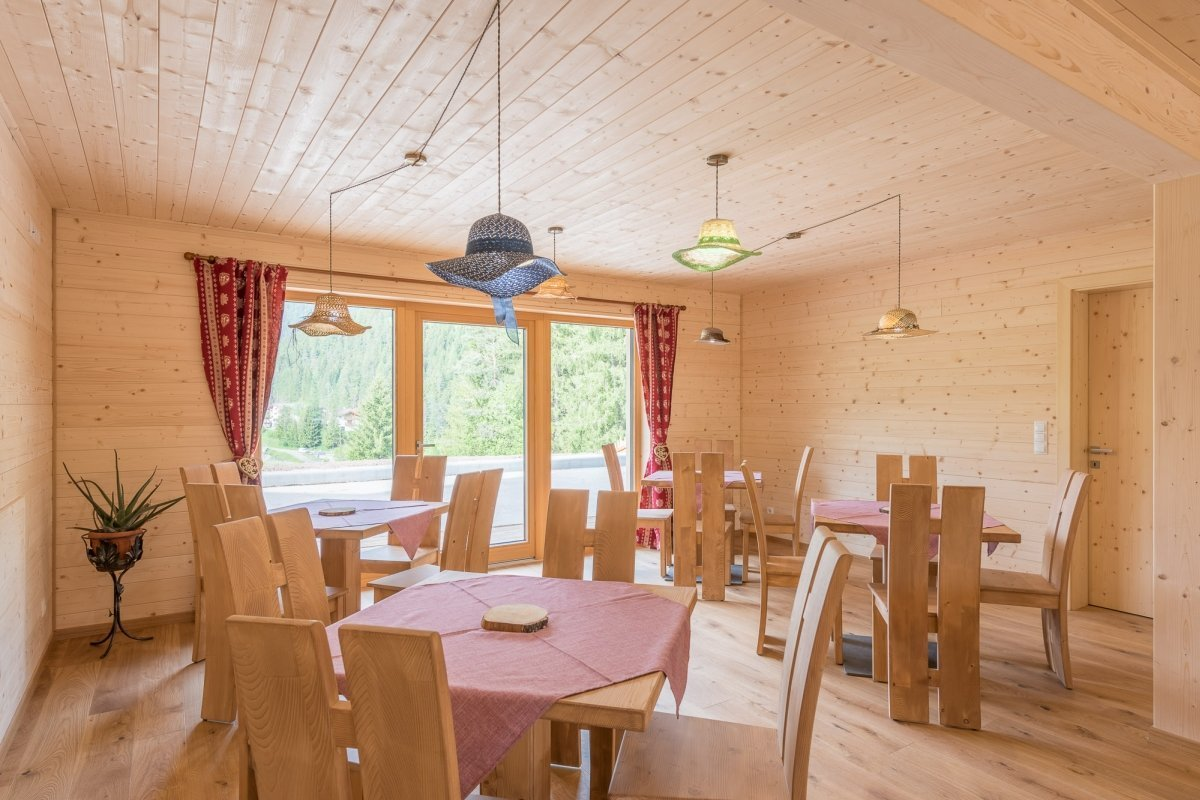sala interamente in legno